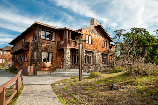 Asilomar Lodge Exterior (Photo: ARAMARK Parks and Destinations)