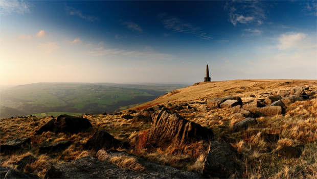 Stoodley Pike (Photo © Simon Bowen http://www.simonbowenphotography.co.uk)